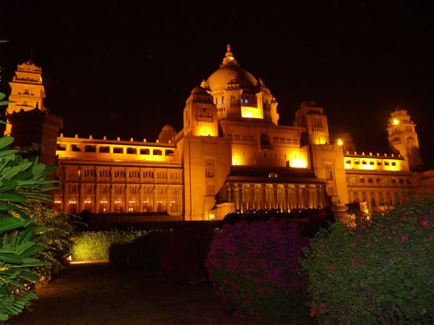 ... palace takes days, Taj Umaid Bhawan Palace hotel& Jodhpur Royal family