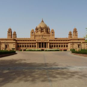 PLAYING PRINCESS AT JODHPUR'S ROYAL PALACE; SURREAL LUXURY