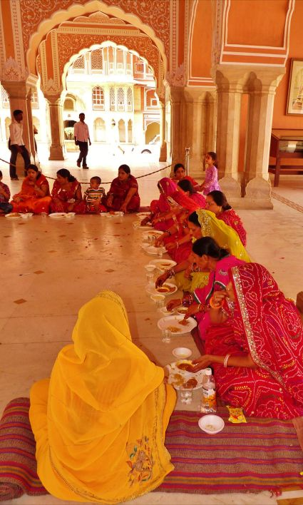 Free meal, volunteer feeding, Amer Fort, The Pink City