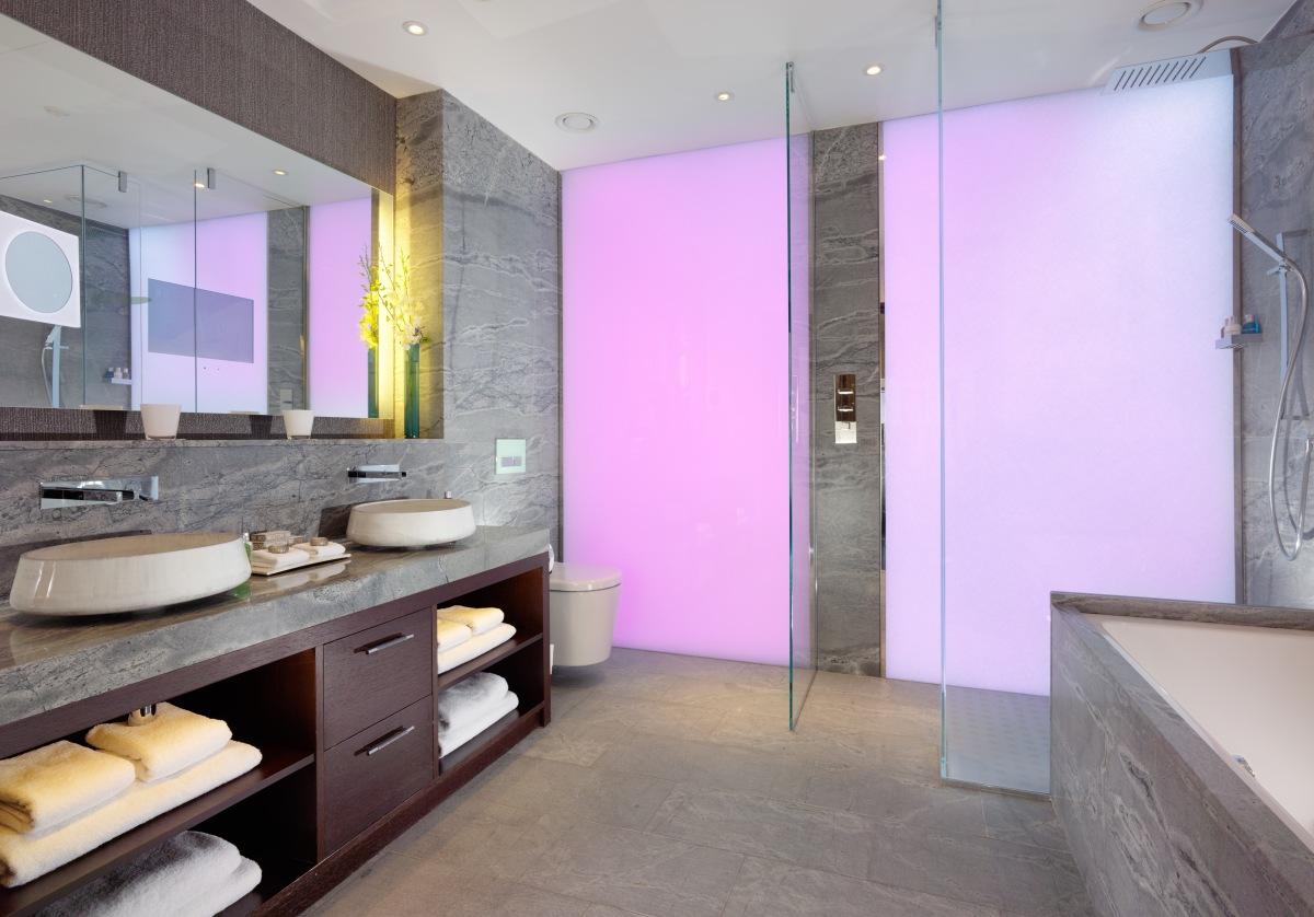 Jaguar Suite Bathroom, 51 Buckingham Gate, Taj luxury hotel currently ...