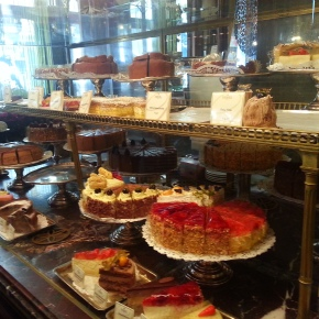 SPOTLIGHT: 2 POPULAR VIENNESE COFFEE HOUSES