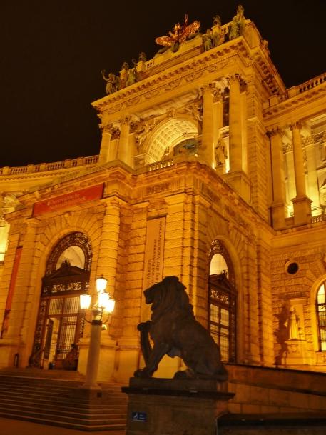 """""""Hofburg palace"""" """"imperial palace"""" """"Hapsburg"""" """"vienna rulers"""" """"vienna monarchy"""" """"vienna history"""" """"sights vienna"""" """"solo female travel vienna"""" """"sights vienna"""" """"walking tour vienna"""" """"night tour vienna"""" """"austria sights"""" """"historical sights vienna"""" history vienna"""" """"austria sights"""""""