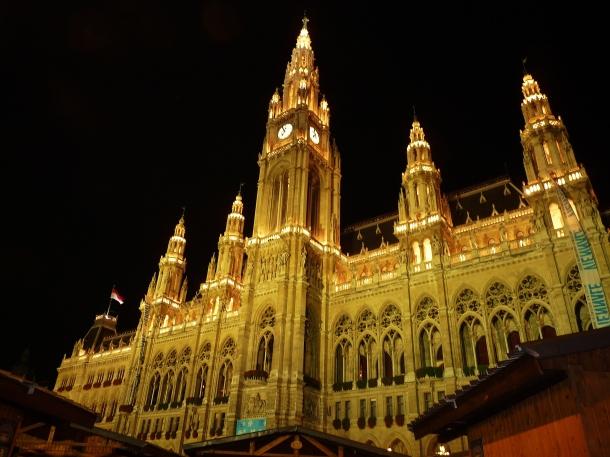 """rathaus"" ""city hall vienna"" ""new city hall vienna"" ""rathaus wien"" ""rathauspark"" ""rathausplatz""  ""vienna history"" ""sights vienna"" ""solo female travel vienna"" ""sights vienna"" ""walking tour vienna"" ""night tour vienna"" ""austria sights"" ""historical sights vienna"" history vienna"" ""austria sights"""